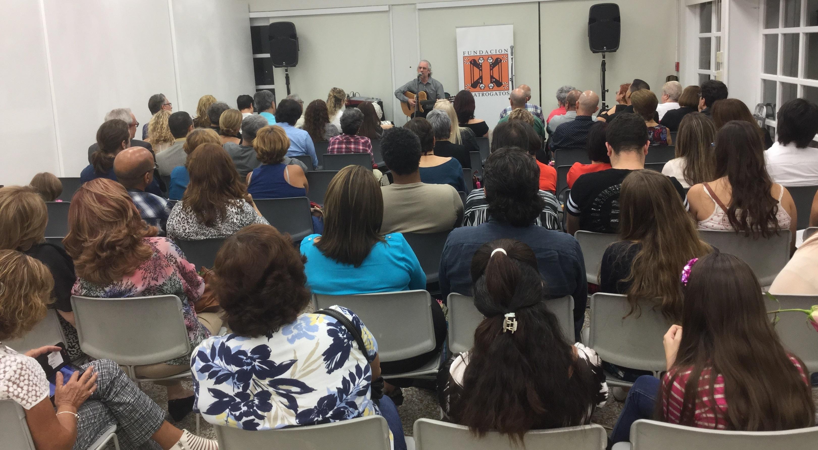 Mike Porcel Fiesta de la Lectura 2015 Fundacion Cuatrogatos